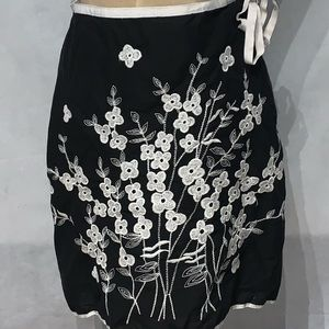 Max studio petite black and white skirt size 2p